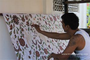 batik-lukis-taman-sari