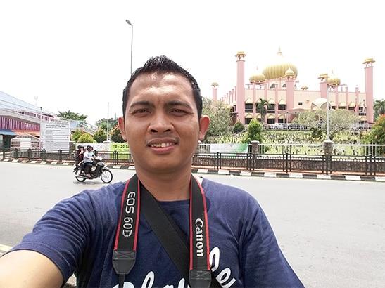 samsung-j5-selfie-at-masjid-kuching