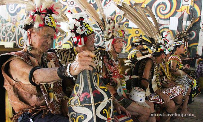 desa-budaya-pampang-suku-dayak-kenyah