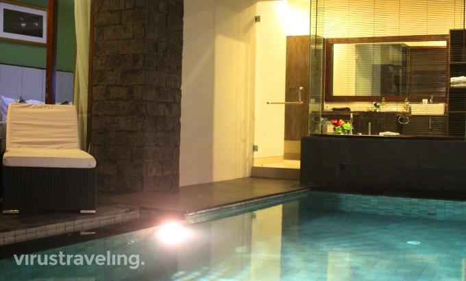 royal-samaja-villas-pool
