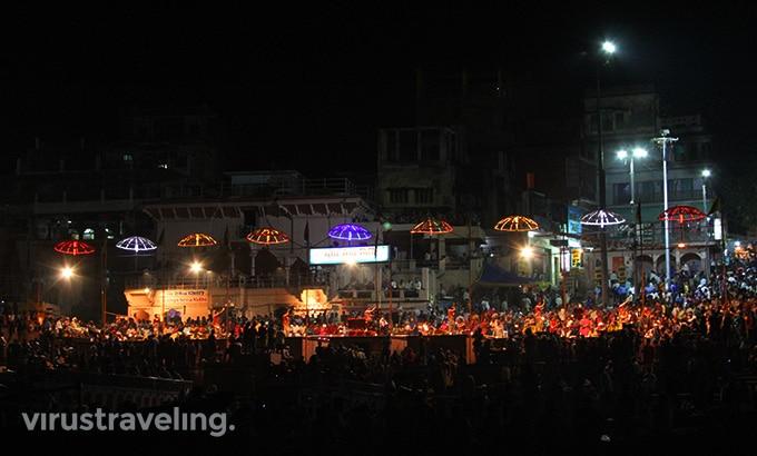 varanasi-night-pooja-at-gangga-river