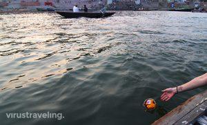 varanasi-sunset-boat-at-gangga