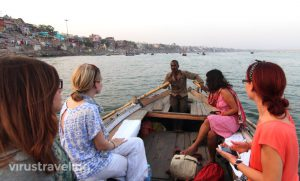 varanasi-sunset-boat-ride-at-gangga