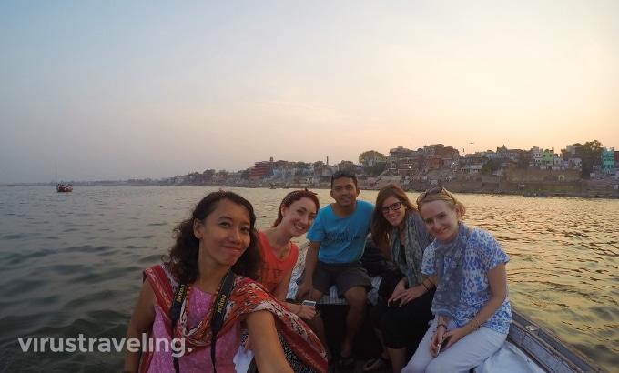 varanasi-sunset-boat-ride-gangga
