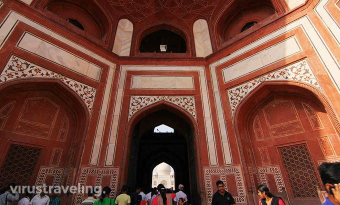 taj-mahal-great-gate-inside