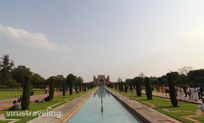 taj-mahal-great-gate-view