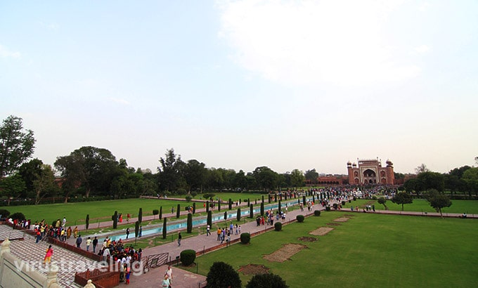 taj-mahal-paradise-garden-view
