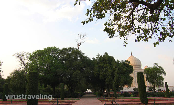 taj-mahal-paradise-garden