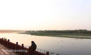 taj-mahal-riverfront-side
