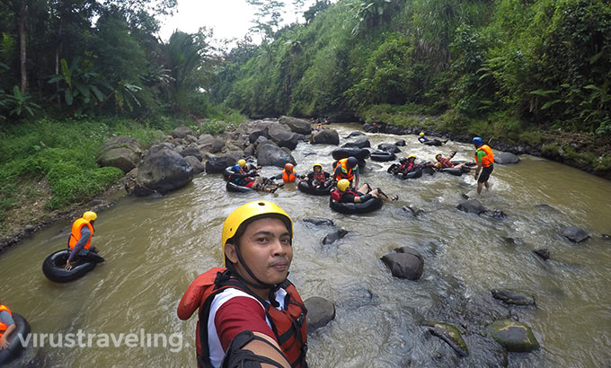 Selfie River Tubing Kali Kreo