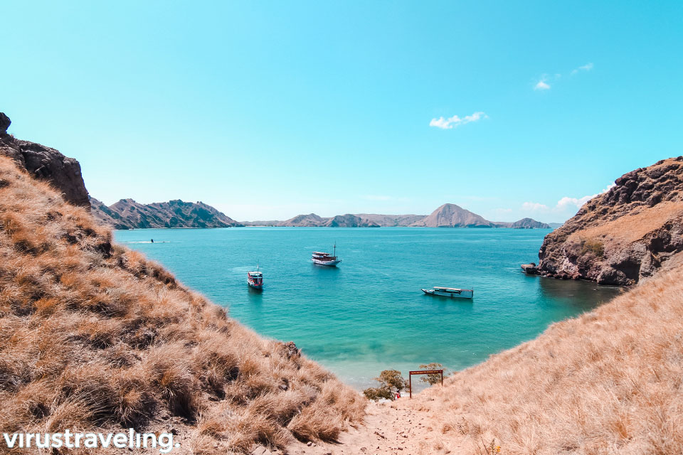 Pemandangan dari Pulau Padar