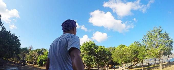pulau-komodo-trip-back-selfie