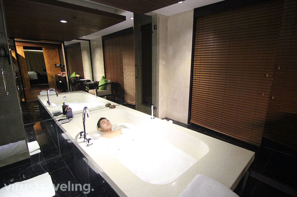 The Sanctoo Villa Bathroom