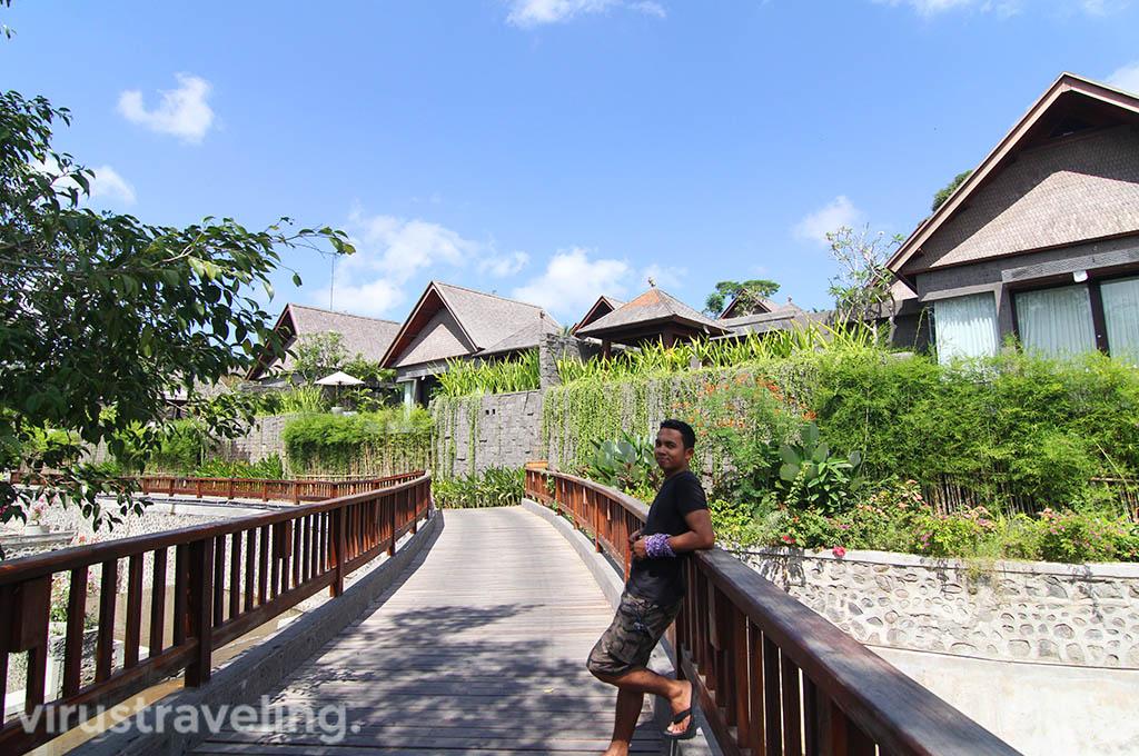 the-sanctoo-villa-bridge