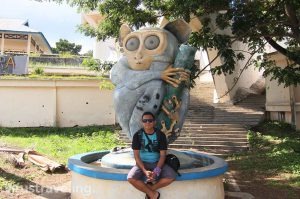 Patung Tarsius di Tugu Trikora